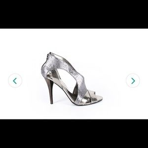 Guess heels silver and metallic